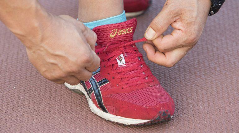 Zapatilla de deporte 770x430 - ¿Qué tipo de deporte son los mejores para los principiantes?